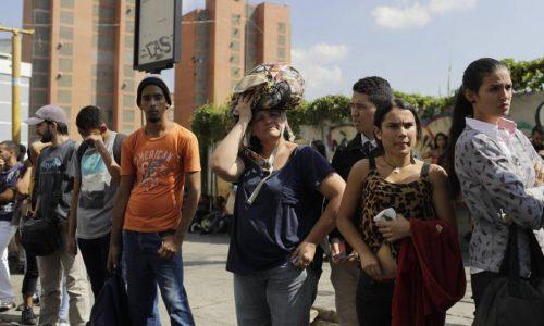 EL PAÍS- El nuevo apagón se prolonga durante más de 20 horas en parte de Caracas y varios Estados de Venezuela