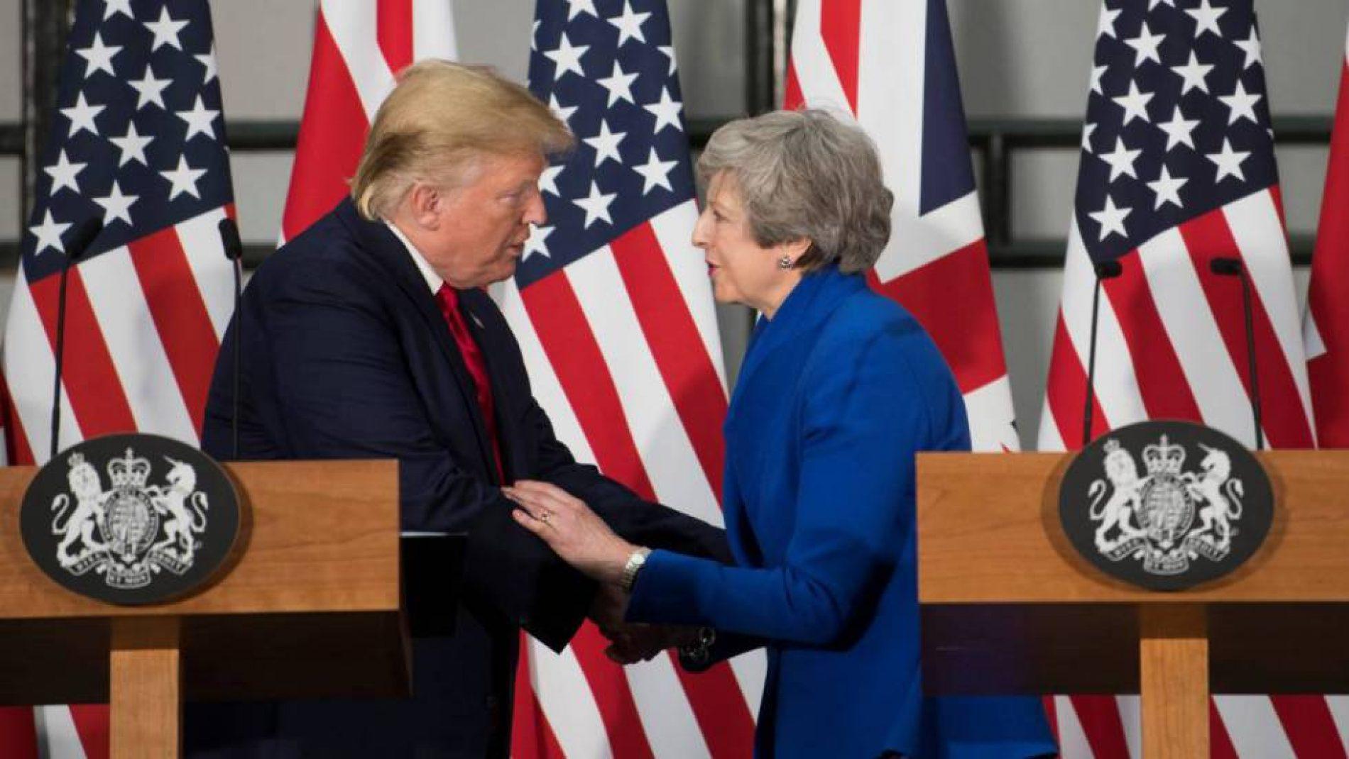 """EL PAÍS- Trump alienta el Brexit duro y promete un acuerdo comercial """"fenomenal"""" con EE UU"""
