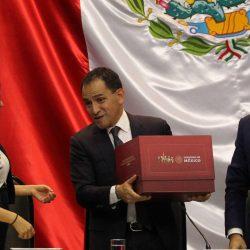 EL PAÍS- López Obrador aumenta el gasto en Pemex y en seguridad
